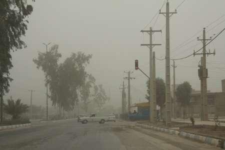 گرد و غبار دومین روز متوالی دید افقی در قصرشیرین را به هشت هزار متر کاهش داد