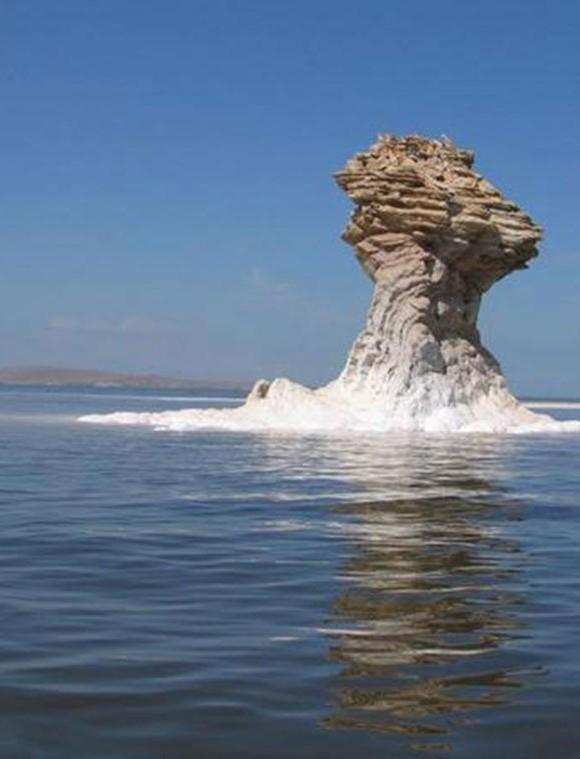 شناسایی ۵کانون ریزگرد در دریاچه ارومیه