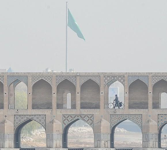دلیل شیوع ۵ برابری ام اس در اصفهان آلودگی هوا است؟