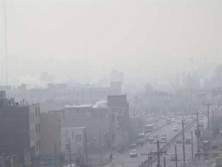 افزایش ریزگردها، شاخص کیفیت هوای اراک را در شرایط هشدار قرار داد