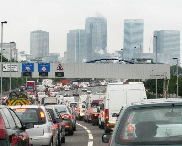 ترافیک و آلودگی هوا روی اعصاب مردم است