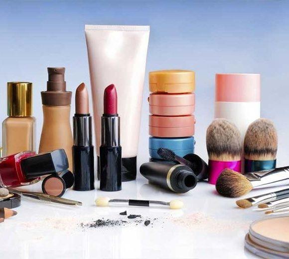 ارتباط مواد شیمیایی نفتی در لوازم آرایش با افزایش آلاینده ها