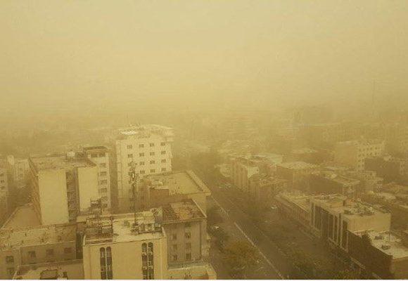 طوفان ریزگرد تهران را تهدید می کند
