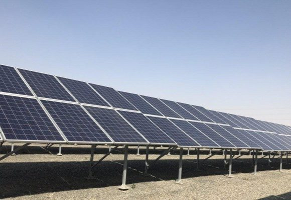 طرح پنلهای خورشیدی در شهر بوشهر اجرا میشود