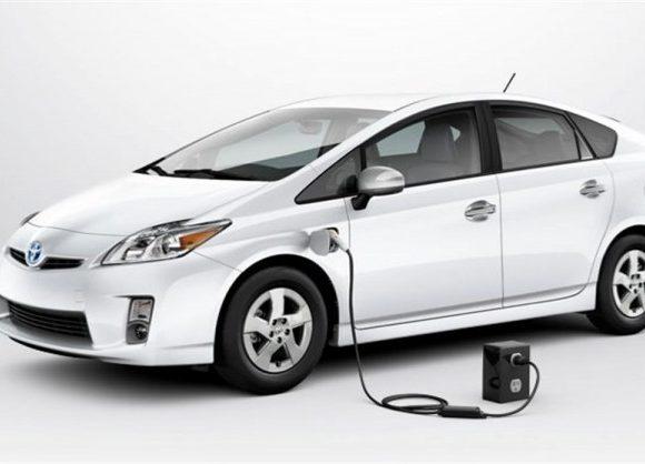 لزوم حمایت از خودروهای هیبریدی و برقی برای کاهش آلودگی هوا