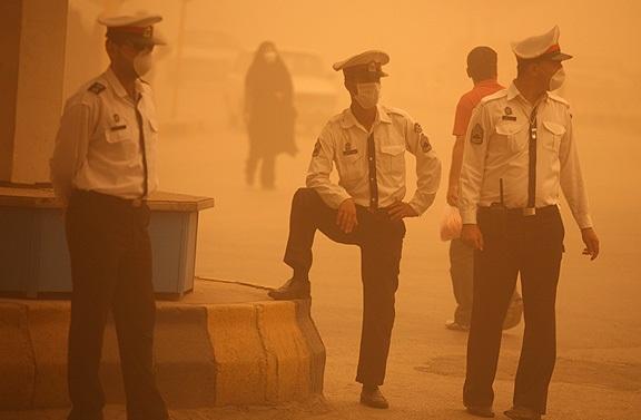تهیه پیش نویس برنامه مقابله با پدیده گرد و غبار استان تهران